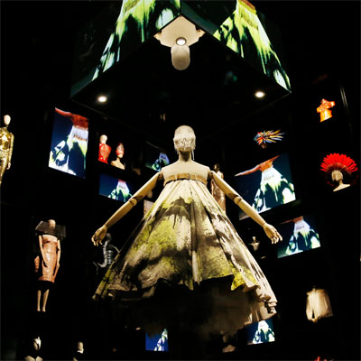 060615 – Alexander McQueen v2 – V&A London